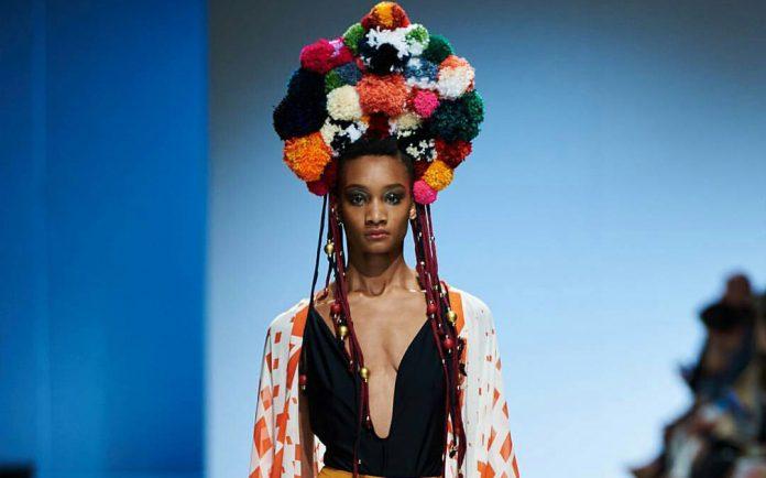mercedes-benz-fashion-week-cape-town-2017-696x434.jpg